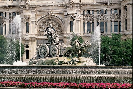 Fuente la Cibeles Stone Carriage Statue